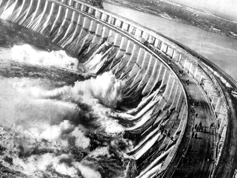 ДнепроГЭС, 1932. Плотина ДнепроГЭС